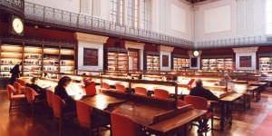 La Biblioteca Nacional y la RAE abren sus puertas al público por el Día del Libro.