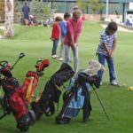Clases gratuitas y torneos para acercar el golf a niños y adultos