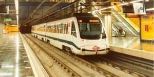 La línea 10 del Metro recupera hoy su actividad entre Tribunal y Batán.