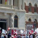 La 'marcha blanca' llega a Madrid y se reúne con la ministra de Agricultura