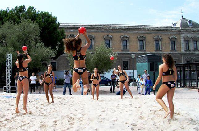 Exhibición de balonmano-playa. Foto: CSD