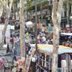 Pasear y comprar en el Rastro, cita obligada en Madrid