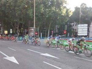 Los corredores, a su paso por el Paseo del Prado.