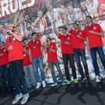 España vuelve a reinar en Europa y brinda su copa a la afición