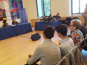 La alcaldesa, Manuela Carmena, participó en un programa de radio y se reunió con algunos de los visitantes.