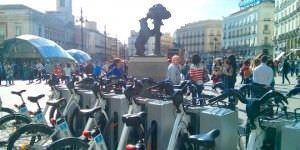Una ruta en bici por el Madrid más turístico