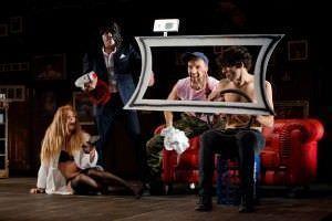 Momento de la representación de El cabaret de los hombres perdidos.