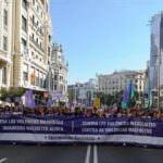 Multitudinaria marcha contra la violencia de género