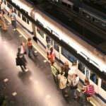 Metro se refuerza en Navidad
