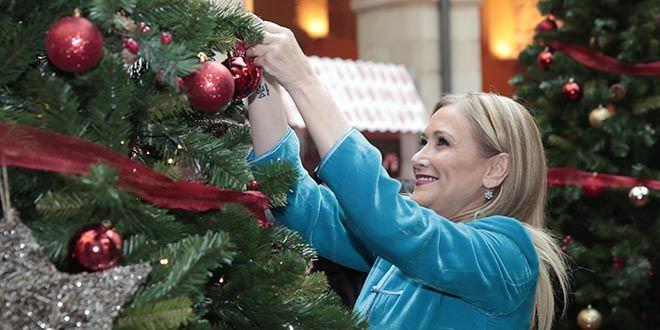 Cristina Cifuentes celebra la Navidad en la Casa de Correos