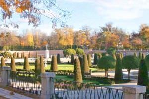 Vista del Parterre del parque de el Retiro.