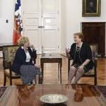 Manuela Carmena defiende su política desde Chile