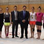 El equipo de gimnasia rítmica felicitado por su bronce