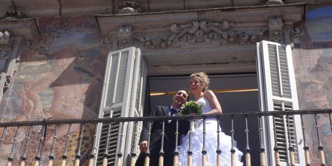 Ya se puede reservar 39 online 39 la fecha para el enlace civil en madrid - Tramites para casarse por lo civil ...