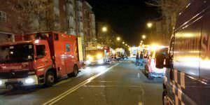 Samur y Bomberos en el incendio del garaje de la calle Sofía