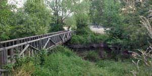 Puente en la ruta a la Cascada del Hervidero