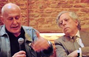 J. Valenzuela y M. A. Aguilar durante el coloquio. Foto: Andrea Pita