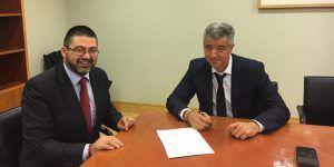 Firma para el traspaso de propiedad de La Peineta entre el Ayuntamiento y el Atlético de Madrid