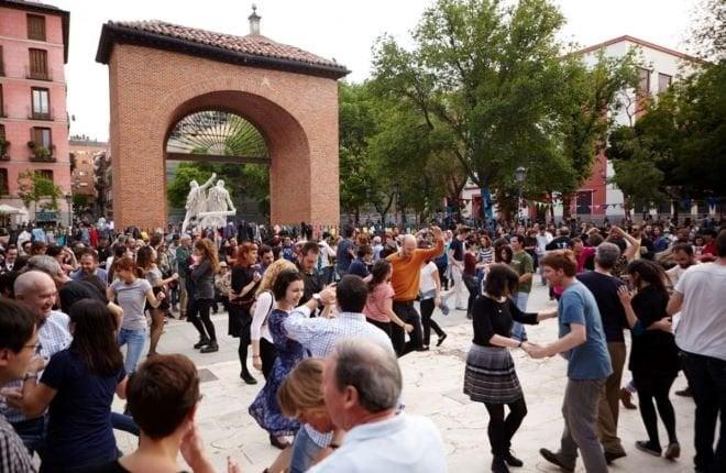 dos de mayo bailes centro