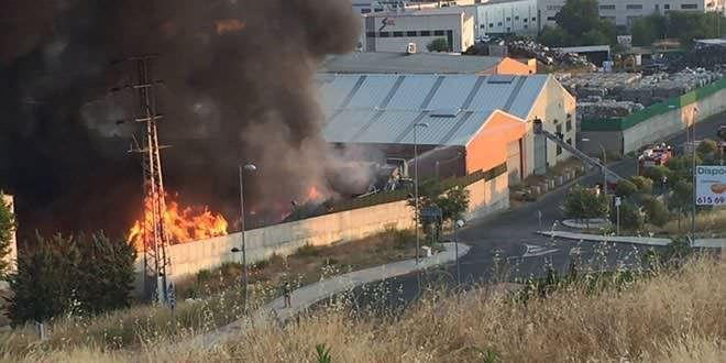 Incendio en una nave de Arganda, el 4 de mayo de 2017