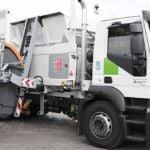 Nuevos contenedores de basura y camiones con carga lateral
