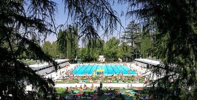 piscina verano casa de campo