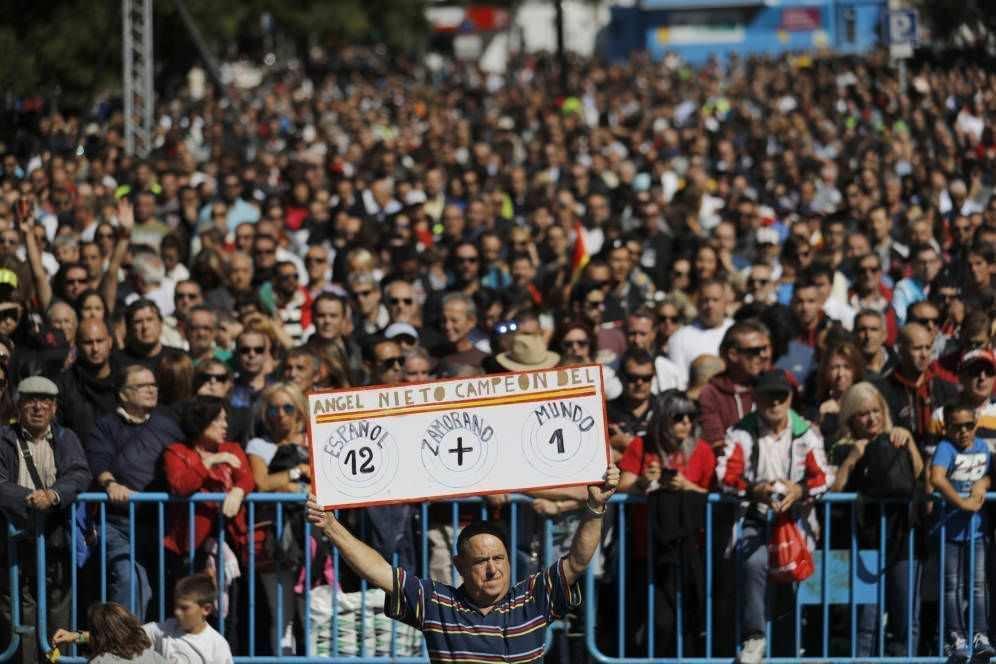Aficionados en el acto de homenaje a ángel Nieto en el Santiago Bernabeú.
