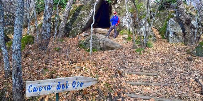 Cueva del Oso en la Ruta al bosque de la Herrería. Cueva del Oso