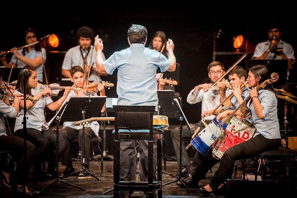 Orquesta Cateura reciclados teatro real