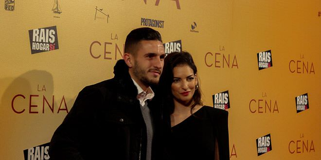 El futbolista del Atlético de Madrid Koke junto a su pareja, Breatriz Espejel