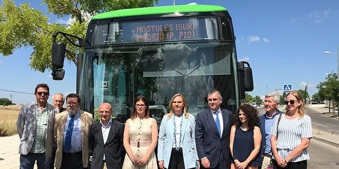 Parada línea autobús interurbano 524