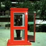 Una cabina roja rendirá homenaje a Antonio Mercero en Chamberí