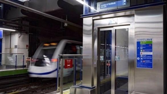 Ascensor instalado en Metro de Madrid