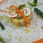 Receta para elaborar un timbal de 'risotto' con verduras