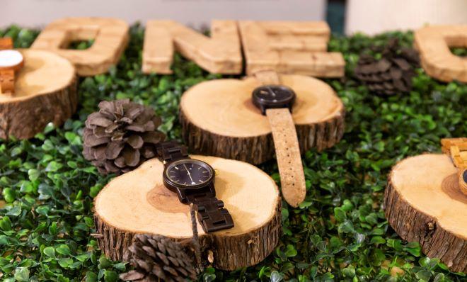 relojes en el mercadillo ecológico ecoembes