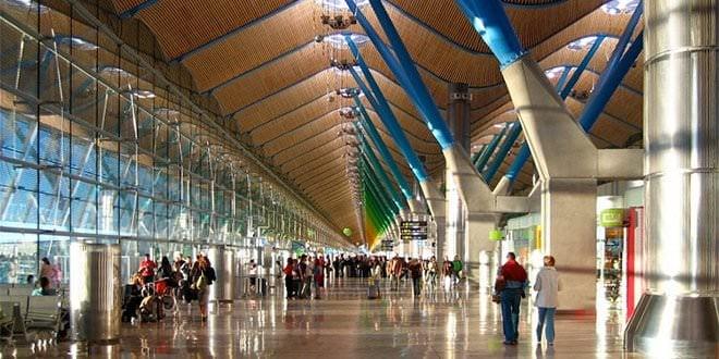 aeropuerto Madrid Barajas Vietnamitas Policía