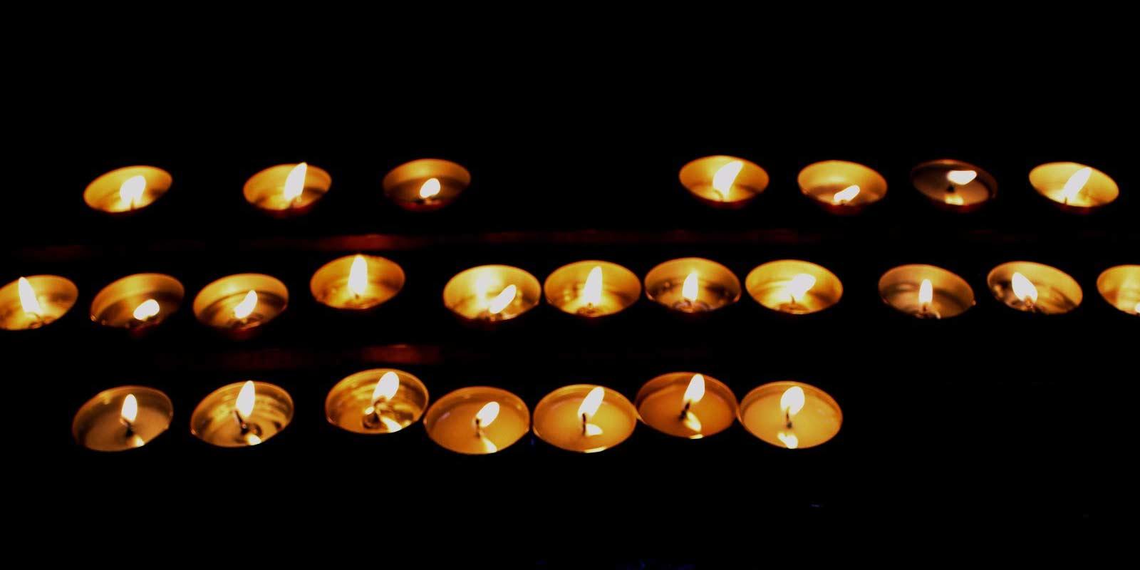 Semana Santa Velas Iglesia
