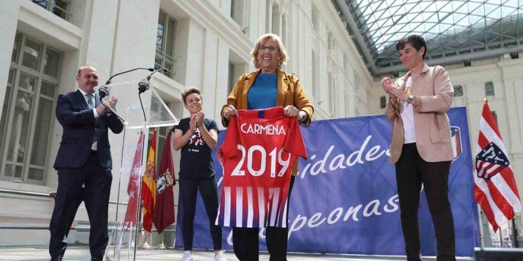 Manuela Carmena Homenaje Atlético de Madrid