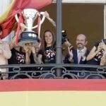 Homenaje a las chicas del Atlético de Madrid