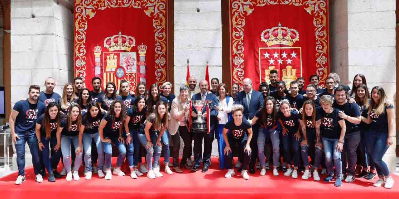 Club femenino Atlético Madrid en Real Casa de Correos