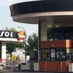 La gasolinera de Atocha deja paso a un espacio de zonas verdes
