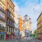 La calle de Toledo, testigo atemporal de la vida madrileña
