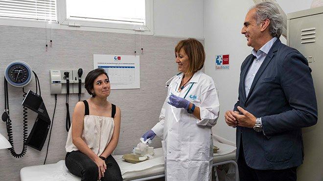 Visita del consejero de Sanidad (Ruiz Escudero) a un centro de salud