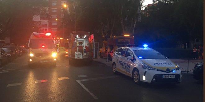 Policia y SAMUR-PC accidente moto cibeles