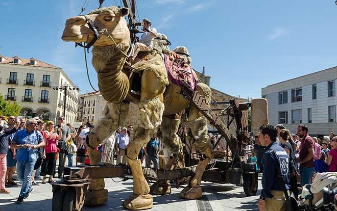 mercado cervantino alcala henares camello