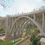 El viaducto de Segovia renueva sus vinilos