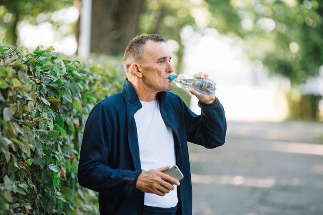 hidratación agua mayores